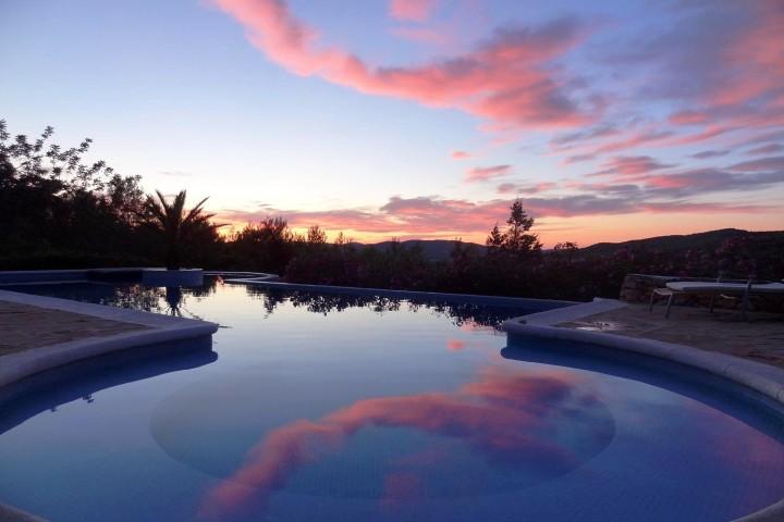 Yoga Ibiza zwembad yogaweek