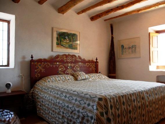 Yoga reis Ibiza slaapkamer
