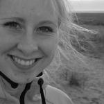 Yogaweekend aan zee, lise op het strand